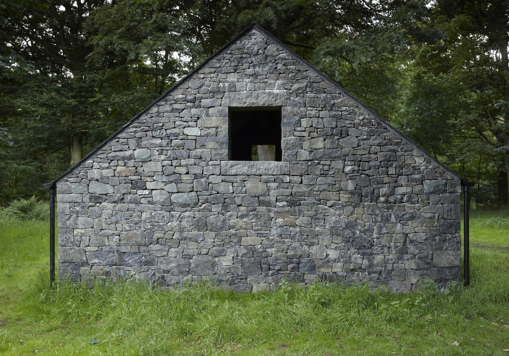 Andy Goldsworthy: Stone House (Bonnington)